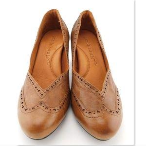GENTLE SOULS Brown Leather Wingtip Pumps Heels 7